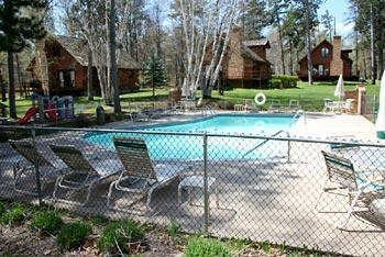 loft-cabin-pool